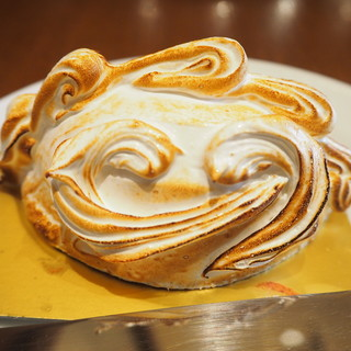 オーボンヴュータン - 料理写真:オムレット ア ラ ノルヴェジアンヌ