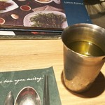 89338182 - 蓮のお茶。渇いた喉を優しく潤します