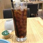 89340303 - アメリカンコーヒーのICE。                       セットで税抜200円。                       美味し。