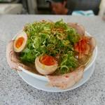 らーめん藤 - 煮卵焼豚ねぎラーメン(税込1080円)