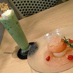 菓子工房 ルーヴ - ピーチメルバと抹茶ミルク