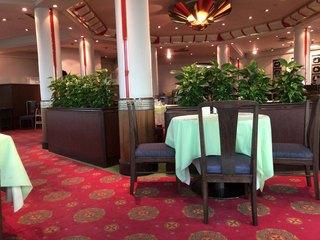 オークラチャイニーズレストラン 桃里 - ゆったりと落ち着いた店内