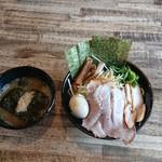 横浜ラーメンとんこつ家 - 特製つけ麺