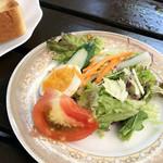 木の実 - モーニングのサラダ