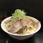 麺屋 丈六 - のスたインスパイアラーメン(750円)