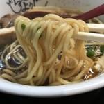 麺のようじ - 「丈七」(700円)麺リフト