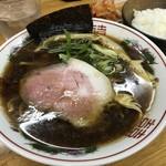 麺屋ガテン なんば心斎橋 総本店 - クロスカウンター(720円)