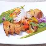 アボ アートボックスカフェ - 茶美豚のカツレツミラノ風~フレッシュトマトソース~