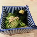 うなぎ 光玉 - わかめときゅうりの酢物 350円
