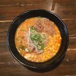 ららららーめん - 料理写真:【極味噌らーめん(780円)】トッピン具は肉、コーン、ネギ、もやし