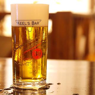 定番樽詰ビールは4本、ゲストクラフトビールは毎日3〜5種類