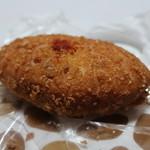 エーワンベーカリー - 野菜とトマトのカレーパン
