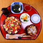 目黒魚金 - 海鮮バラちらし御膳ご好評いただいております。※ランチ営業です。