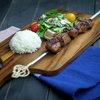 トルコ料理 ゲリック - 料理写真:Şiş Kebap シシ・ケバブ 羊肉を、スパイス・牛乳・すりおろした玉葱等に一晩じっくり寝かし、グリルで焼き上げました  Roasted mutton
