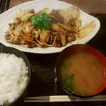 きわ美鶏 恵比寿 - ホルモン野菜炒め定食