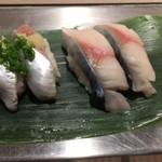 寿司 魚がし日本一 - 生サバ、いわし
