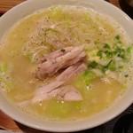 鳥一代 - 白湯塩ラーメン単品680円(税込)