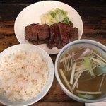一隆 - 牛たん焼定食1400円