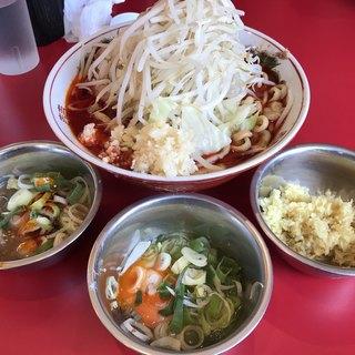 ラーメン英二 - 料理写真:【2018.7.13】辛いラーメン¥890+生姜¥50+生玉子¥50