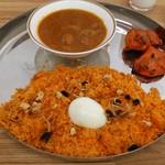 ロイヤルダイニング - 料理写真:パキスタンビリヤミセット。