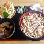 みんなのうどんや - 料理写真:武蔵野うどん小(4玉)、野菜天