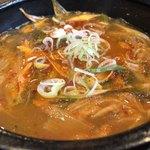 韓国料理HANA - テールスープ(赤)アップ