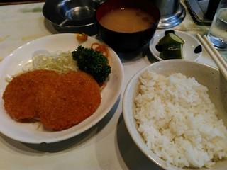 富士川食堂 - コロッケ定食