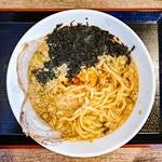 ら~めん亭にしやま - 「背脂ら〜めんの麺」(2018.07)