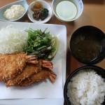 漣 - 海老フライ定食2484円税込