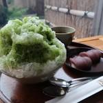 赤福 - 赤福氷520円と赤福盆210円