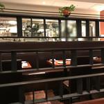 カッフェ・クラシカ - 店内 閉店時間間際で空いていました。