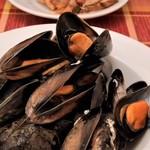 ビストロ ラ コケット - ムール貝の白ワイン蒸し。