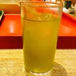 金沢まいもん寿司 珠姫 - 冷たいお茶