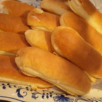 ブルクベーカリー - バターパン(180円)