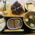 高知県芸西村 土佐鴨 - 鰹の藁焼き定食