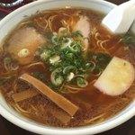 浅草軒 - 麺、ツユ、メンマ、チャーシュー何れも美味しいです。