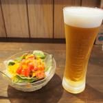 ハングリーヘブン - ミニサラダ & 生ビール