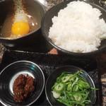 炭火焼肉 萬成館 - ライス&肉味噌と卵