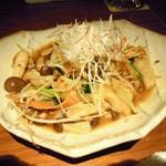 8942648 - 鶏軟骨と青菜のピリ辛炒め