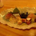 魚・旬菜小料理ととや - 刺身盛り合わせ