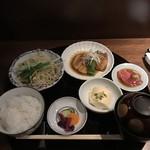 赤坂 多に川 -