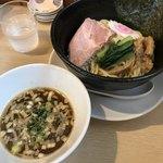 89431331 - 鶏・アゴ・カツオだしのつけ麺(900円)