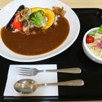 レストラン 味心 - 料理写真:彩り野菜カレー(850円)