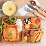 CLARIS - 料理写真:選べるパイのパイプレートセット