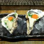 かき小屋 - 生ガキ2種