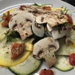 abierto - マッシュルームと季節野菜のサラダ