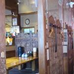 博士ラーメン別館 & HAKASE Thai 博士レストラン本店 - 店内の様子