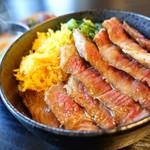 めしのやまいち - 料理写真:2018年4月 あか牛ステーキ丼【だんご汁付きで1700円】肉固い(-_-)