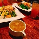 ブラッスリー イッキ 食彩独歩 一喜 - 夜ランチ@付属のサラダ、スープ