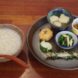 ホームラン食堂 - 料理写真:おかゆ定食